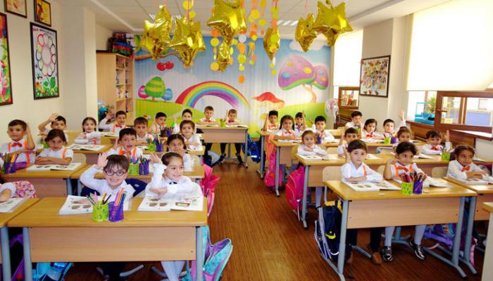 В I классы бакинских школ принято почти 96% учащихся