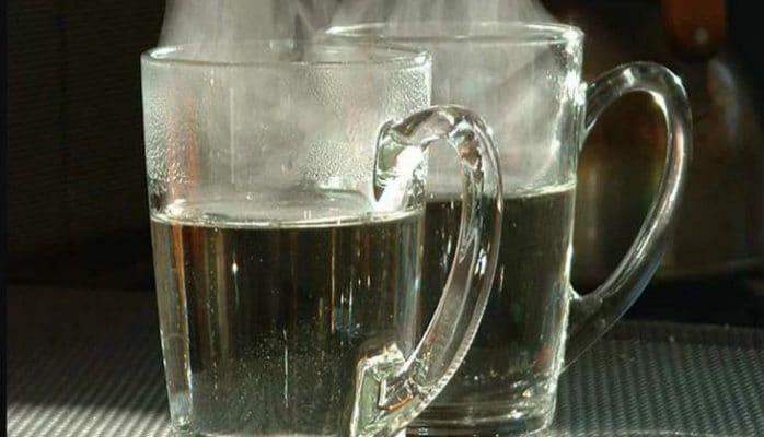 Hər səhər isti su içməyin 10 faydası