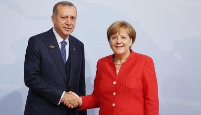 Эрдоган и Меркель обсудили по телефону Сирию и Ливию