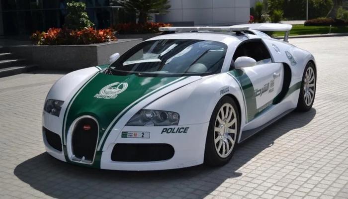 Dubay polisinin avtomobillərini Ginnesin Rekordlar Kitabına daxil etdilər