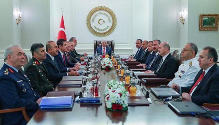 Türkiyə ordusunda narazılıq: 5 general istefa verdi