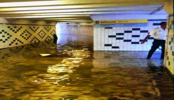 Bakı metrosunu su basdı