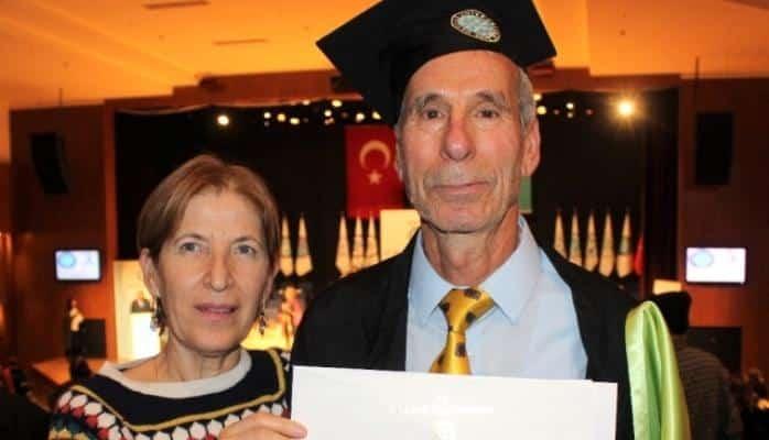Türkiyədə 75 yaşlı müəllim ikinci dəfə mühəndis oldu