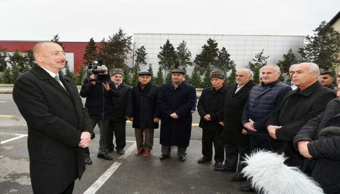 Президент Ильхам Алиев: В Азербайджане никаких проблем, связанных со стабильностью маната, не ожидается