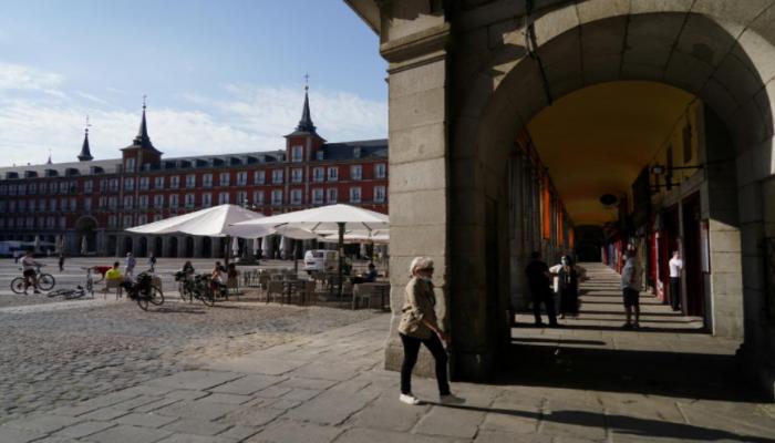 Испания может начать принимать туристов с 1 июля