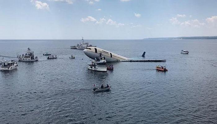 Dev uçak Saros'ta batırılıyor