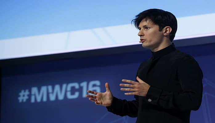 Дуров посоветовал удалить WhatsApp с телефонов