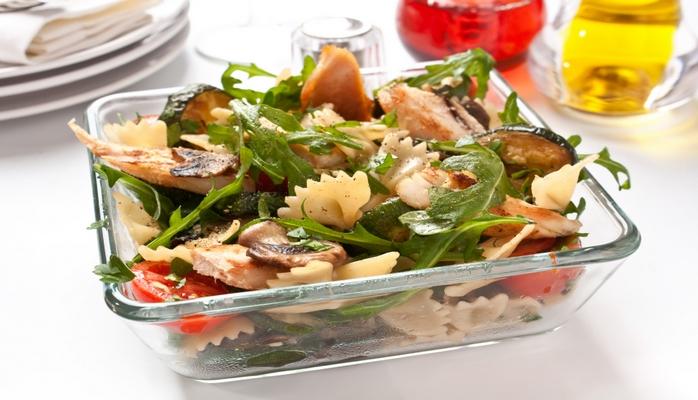Куриный салат c оливковым маслом