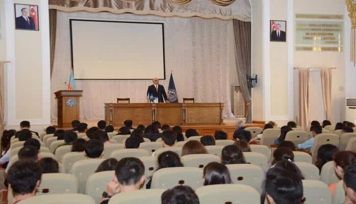 Ректор UNEC: Студенты должны быть инициативными в учебном процессе
