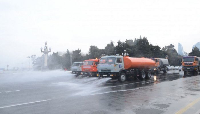 Большая дезинфекция: жителей Баку просят не покидать дома