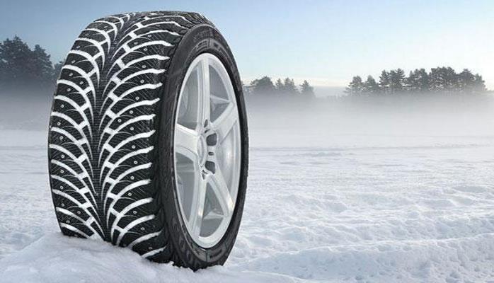 Эксперт рассказал, когда лучше переобувать машину к зиме