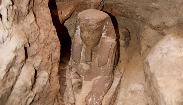 На юге Египта археологи обнаружили сфинкса