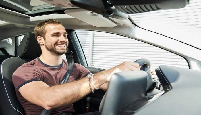 Шесть простых советов, как сохранить концентрацию за рулем