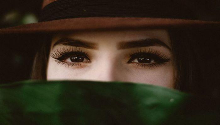 Офтальмологи предупредили женщин об опасности наращивания ресниц