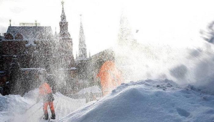 Ученые научились получать электричество из снега