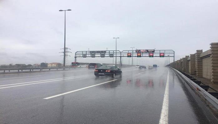 Paytaxtda yağışa görə sürət həddi 20 km/s azaldılıb
