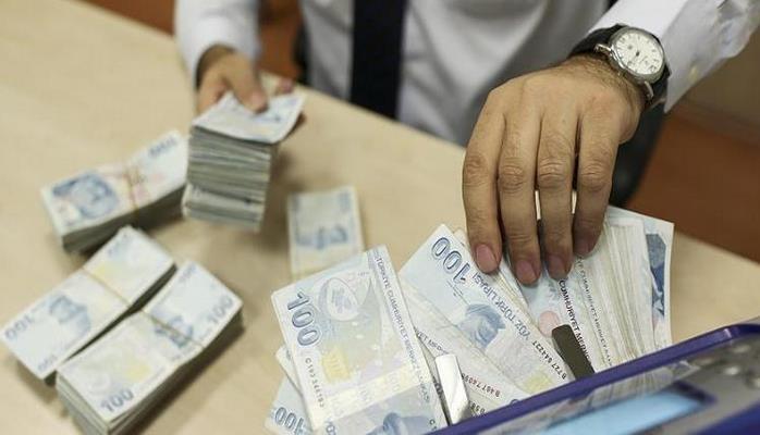 «Lirə bahalaşsa da gərginlik hələ davam edəcək» – Ekspertdən açıqlama