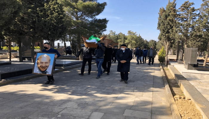 Xalq artisti son mənzilə yola salınıb