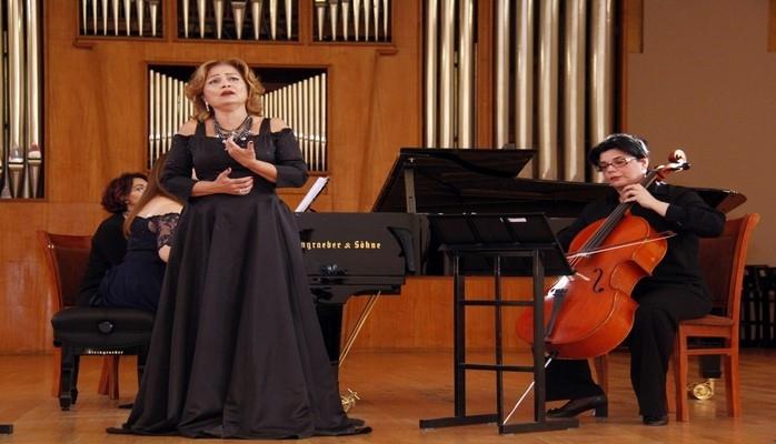 Azərbaycan Dövlət Fortepiano Triosunun çıxışı maraqla qarşılanıb