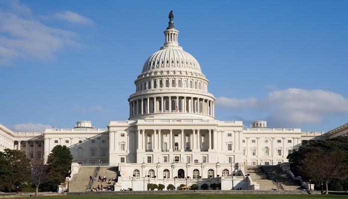 Демократы лидируют по опросам перед ноябрьскими выборами в Конгресс