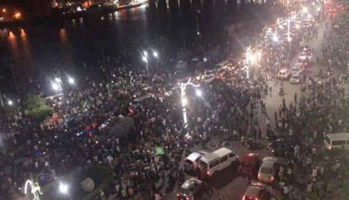 Bu ölkədə 10 şəhər ayağa qalxdı - Prezidentin istefası tələb olunur
