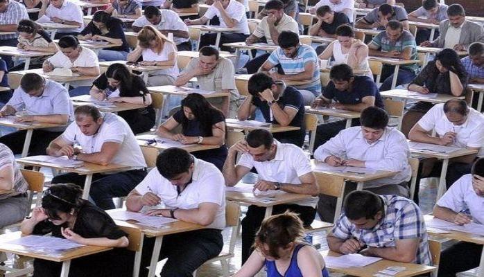 В Азербайджане более 800 человек успешно сдали экзамен по приему на госслужбу