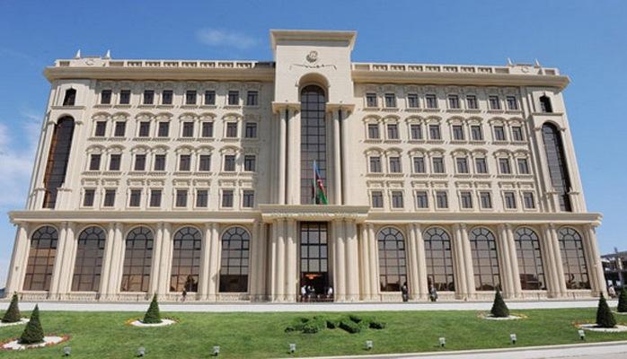 Как иностранцы становятся на учет в Азербайджане