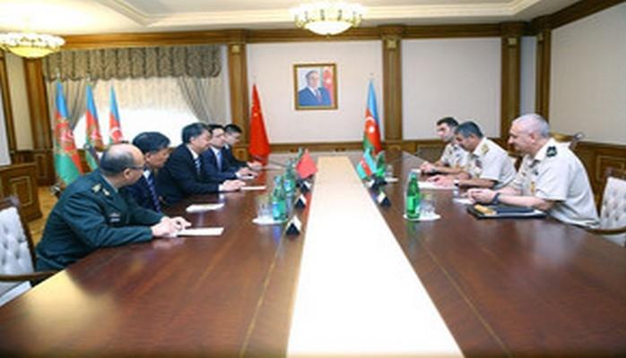 Закир Гасанов встретился с делегацией китайского военно-промышленного комплекса