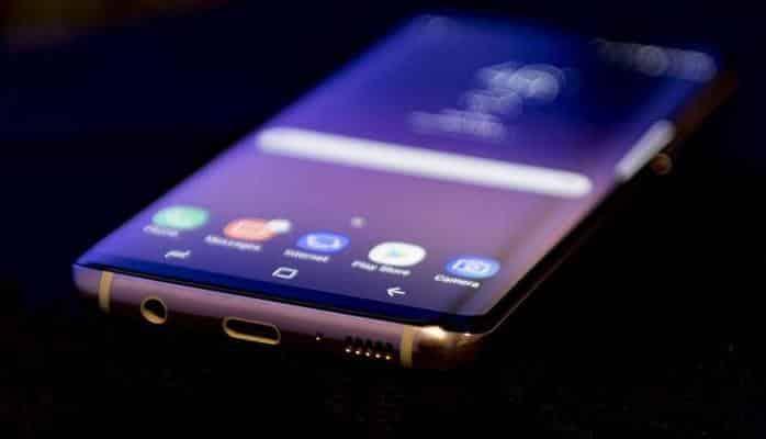 Samsung представила новый смартфон Galaxy A80