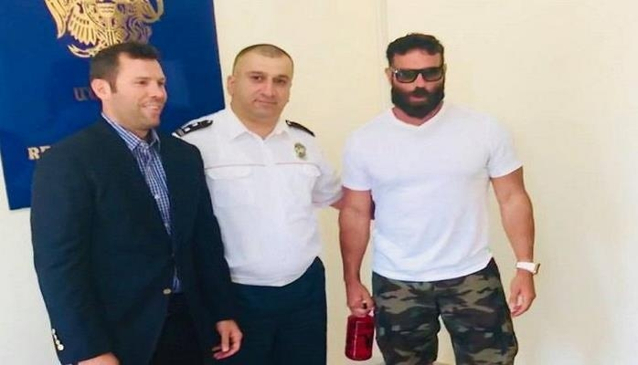 ABŞ-ın erməni milyonçusu Ermənistan vətəndaşlığı aldı