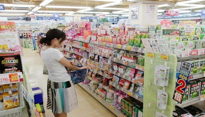 Жители Японии массово скупают туалетную бумагу из-за коронавируса