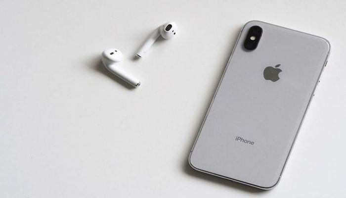 Новый iPhone выйдет без наушников