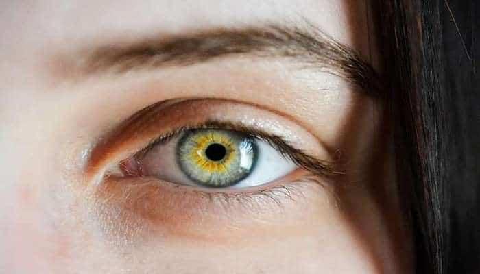 Ученые назвали 5 вещей, способных изменить цвет глаз