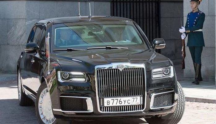 Putinin kortejində yeni model avtomobil