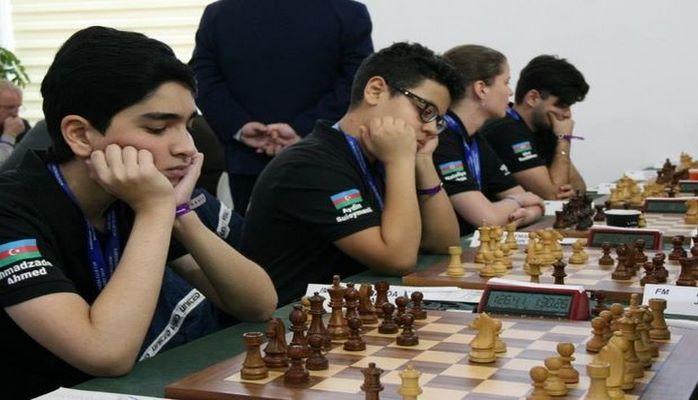"""""""Вугар Гашимов"""" одолел лидера турнира и стал первым"""