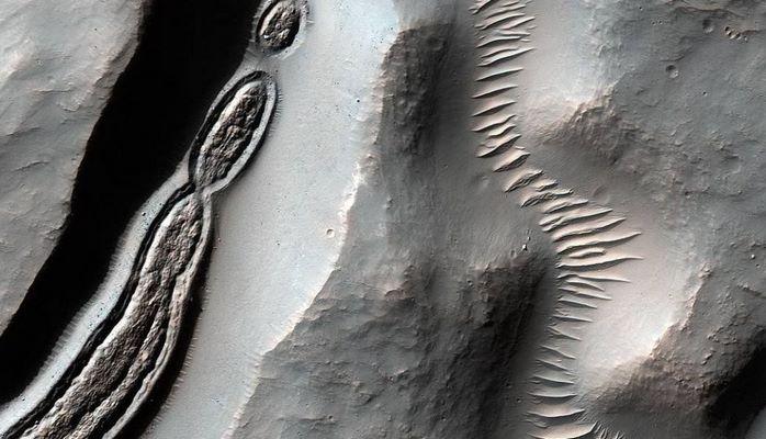 Marsda aşkar edilən qeyri adi foto