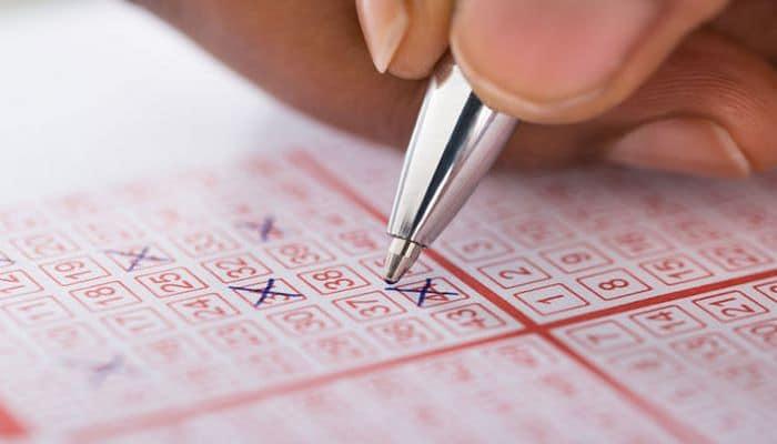 Женщина дважды выиграла в лотерею миллион долларов