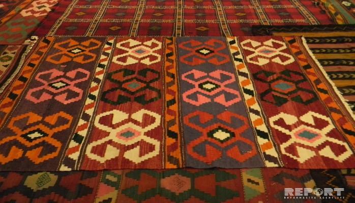 В Тбилиси проходит выставка-продажа азербайджанских ковров из частных коллекций