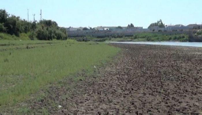 Уровень воды в Куре снизился почти на 2 метра