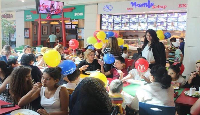 Дети готовятся ко Дню знаний в Азербайджане