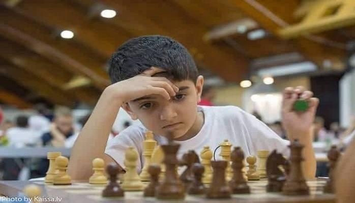 7 yaşlı şahmatçımız Avropa çempionu oldu