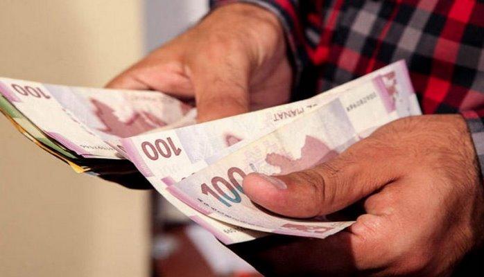 Azərbaycanda kimlər daha yüksək maaş alır?