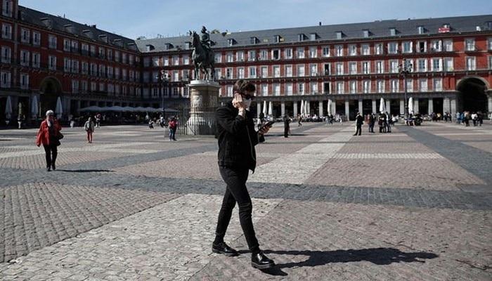 İspanya'dan yapılan açıklamada korona virüsü vakaları 33.089'dan 39.673'e fırladı.