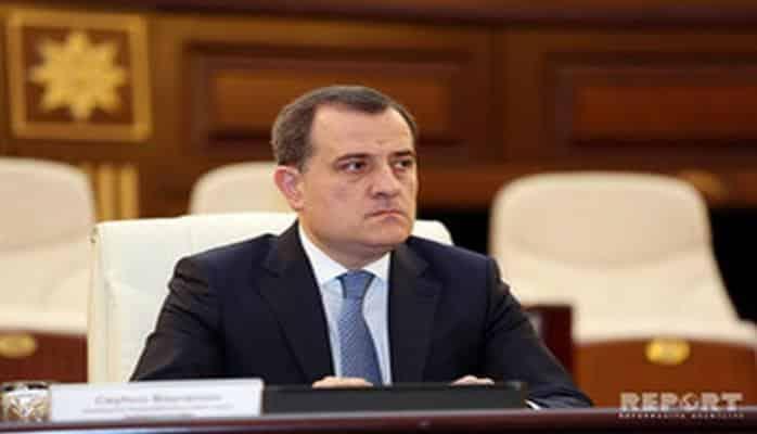Министр образования: Сто школ получили учебники, составленные по новой системе