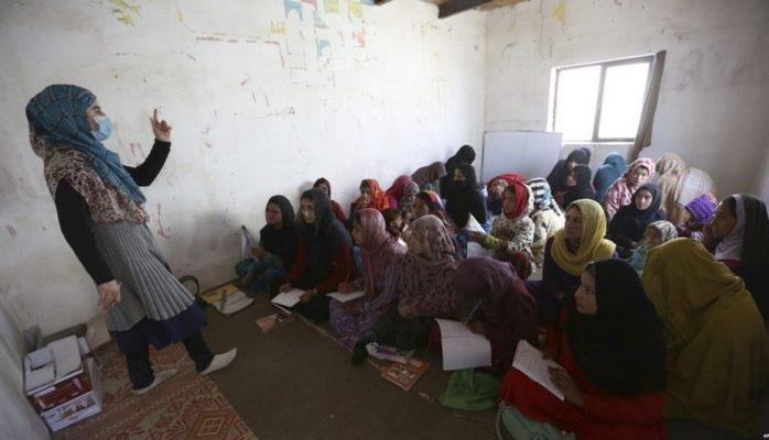 """""""Qızların təhsil almaması dünyaya 30 trilyon dollar zərər vurur"""" –Dünya Bankı"""