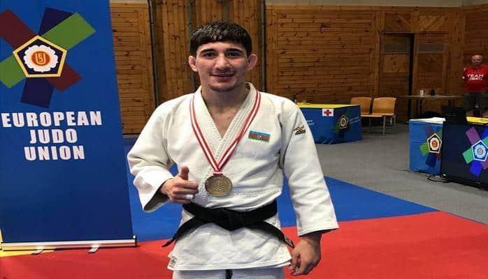 Ровшан Алиев выиграл молодежный чемпионат мира по дзюдо