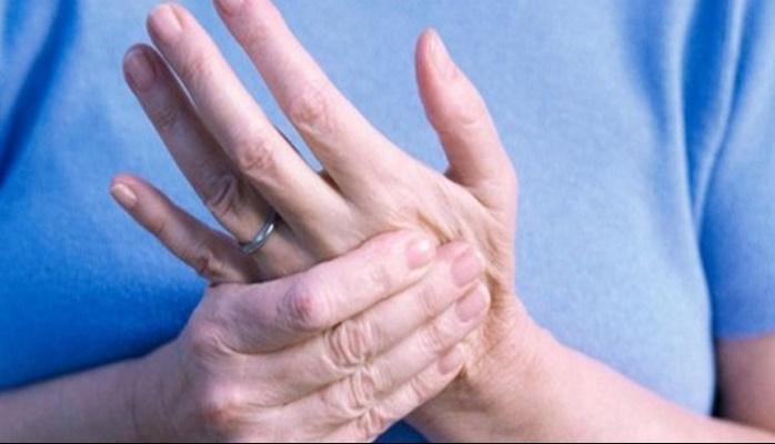 Kuruyan ve çatlayan eller için doğal yöntemler