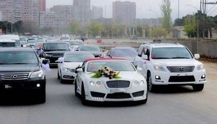 Дорожная полиция контролирует свадебные кортежи с помощью специальных средств