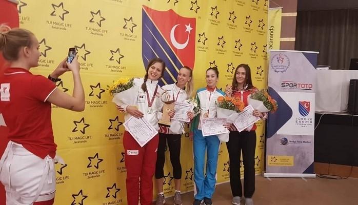 Qılıncoynadanımız beynəlxalq turnirdə bürünc medal qazanıb