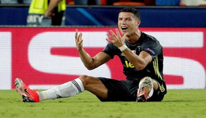 Роналду впервые в карьере был удалён в матче Лиги чемпионов